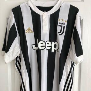Juventus 2017/2018 Home Kit